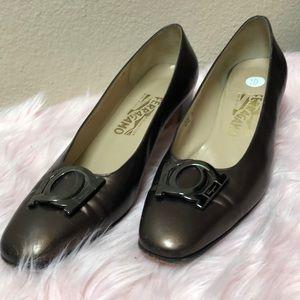 Salvatore Ferragamo bronze heels sz 10